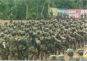 FARC_guerrillas_marching_during_the_Caguan_peace_talks_(1998-2002)