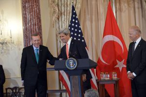 800px-Secretary_Kerry_Delivers_Remarks_in_Honor_of_Turkish_Prime_Minister_Erdogan_(2)