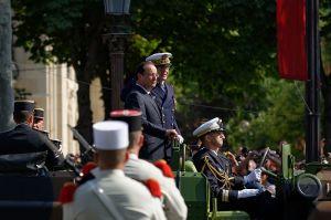 800px-Francois_Hollande_Bastille_Day_2013_Paris_t101747-3